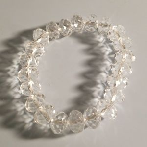 Jewelry - Crystal clear bead bracelet